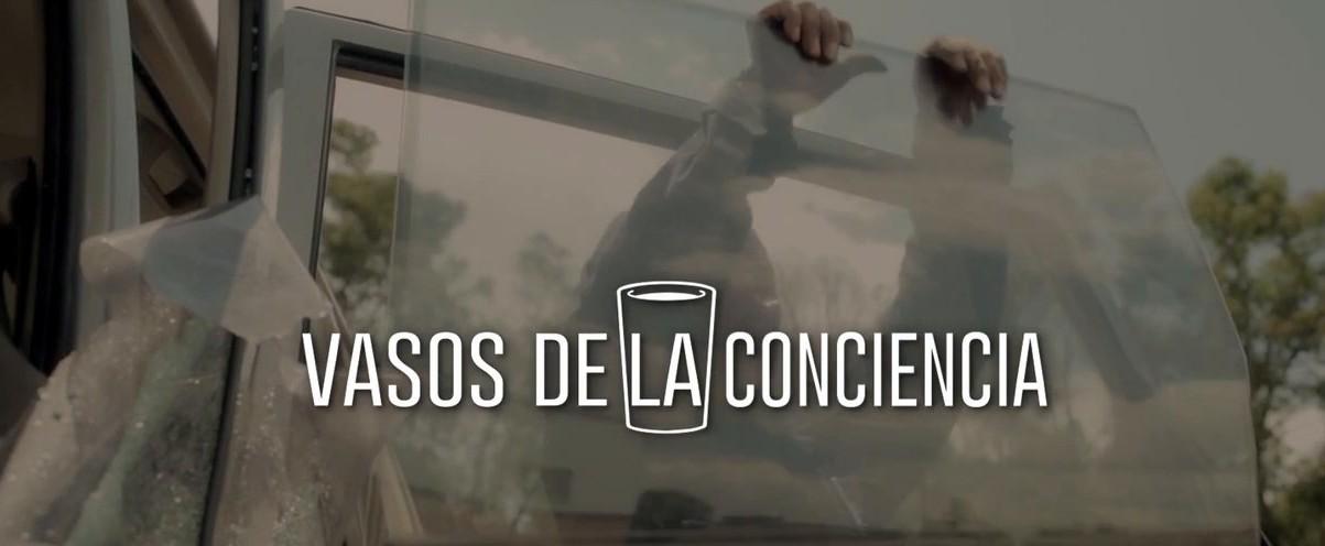 """Brillante campaña  de Axa Seguros """"vasos de la conciencia"""""""